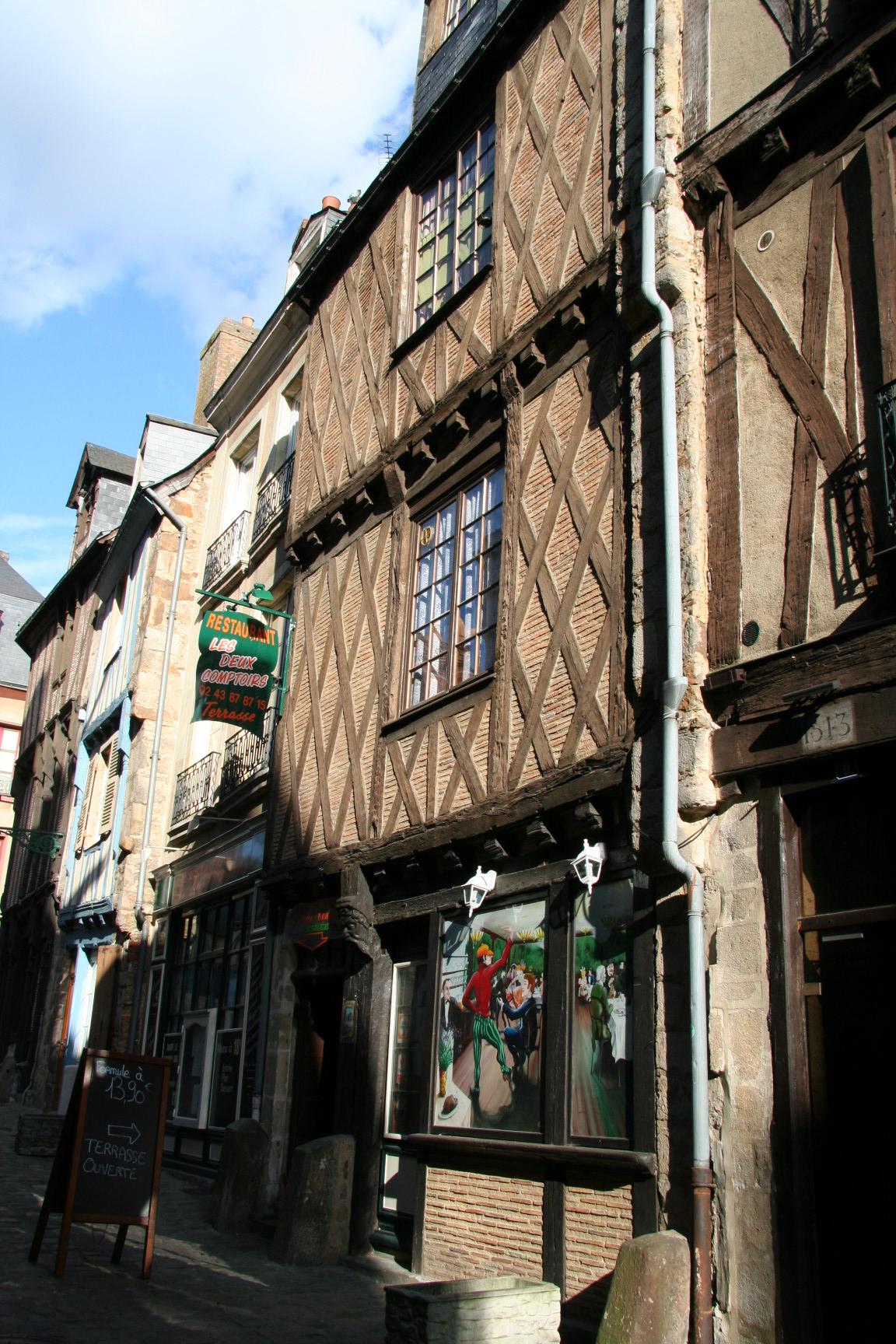 Le Vieux Mans en 2010 - Rue Dorée - Les Deux Comptoirs (Sylvie Leveau)