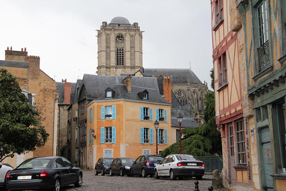 Le Vieux Mans en 2017 - Grande Rue - Cathédrale Saint Julien et Maison du Pilier rouge (Sylvie Leveau)