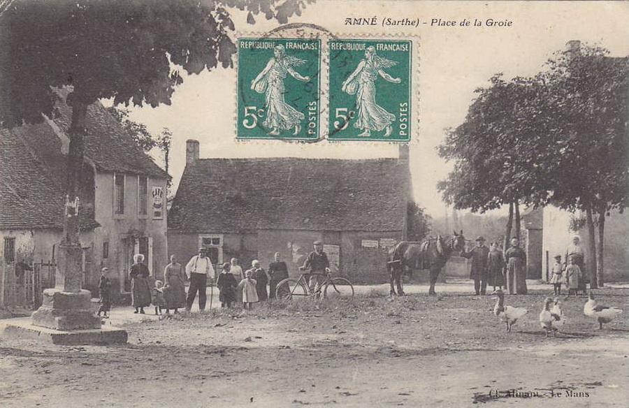 Amné - Place de la Groie