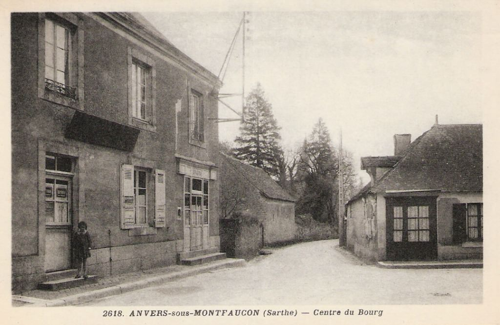 Auvers sous Montfaucon - Centre du Bourg 02