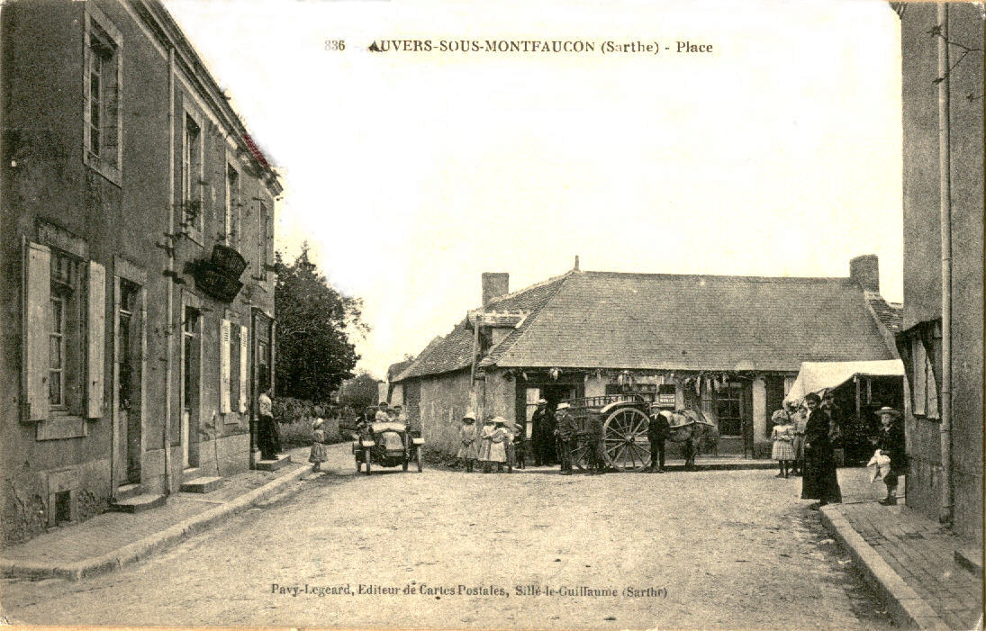 Auvers sous Montfaucon - Place