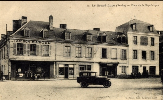 Le Grand Lucé - Place de la République