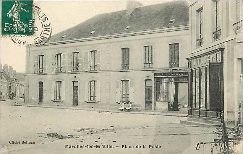 Marolles les Braults - Place de la Poste