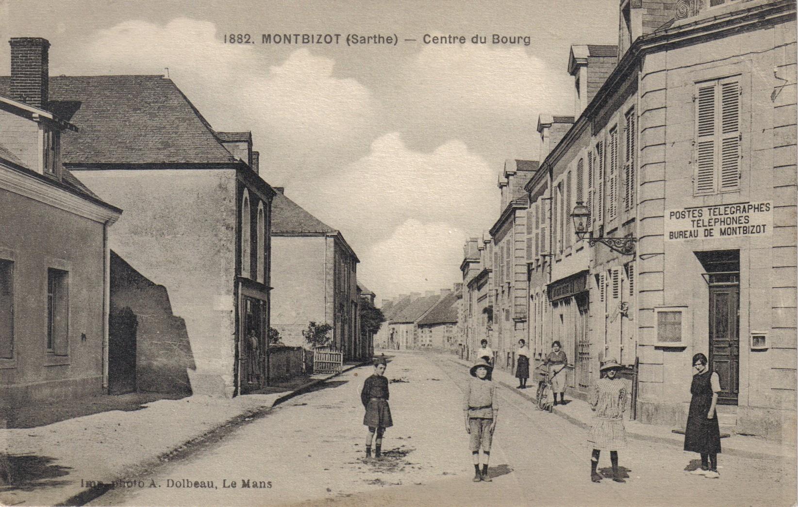 Montbizot - Centre du Bourg