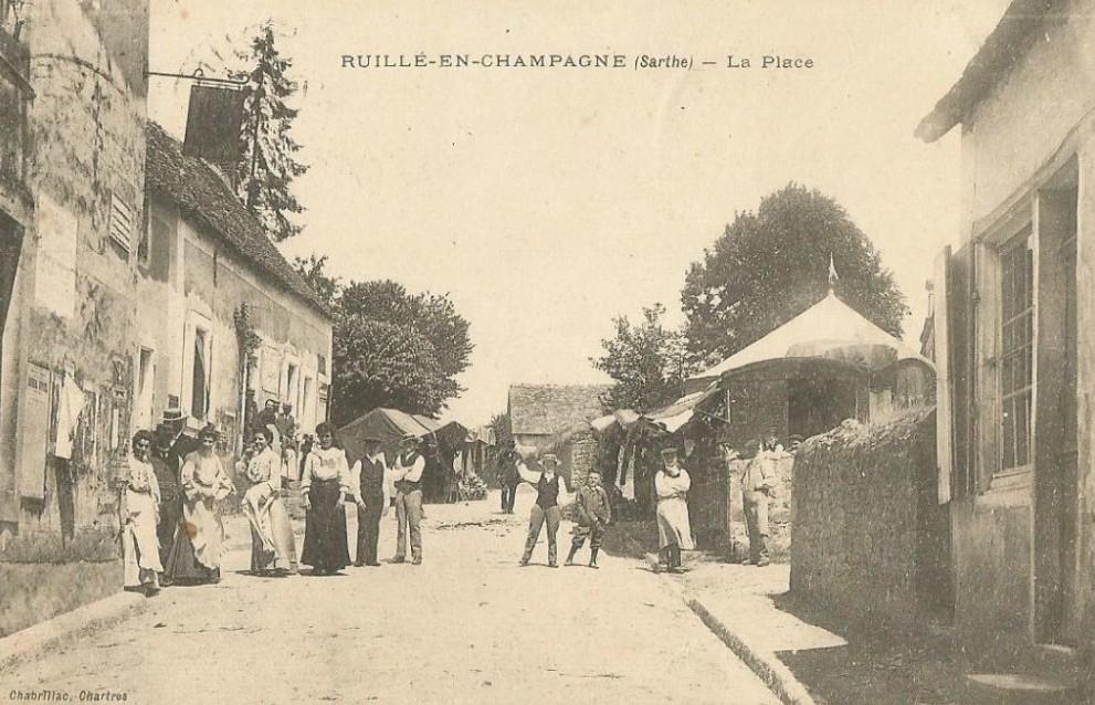 Ruillé en Champagne - La Place