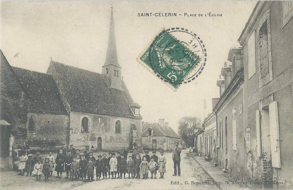 Saint Célerin - Place de l'Eglise