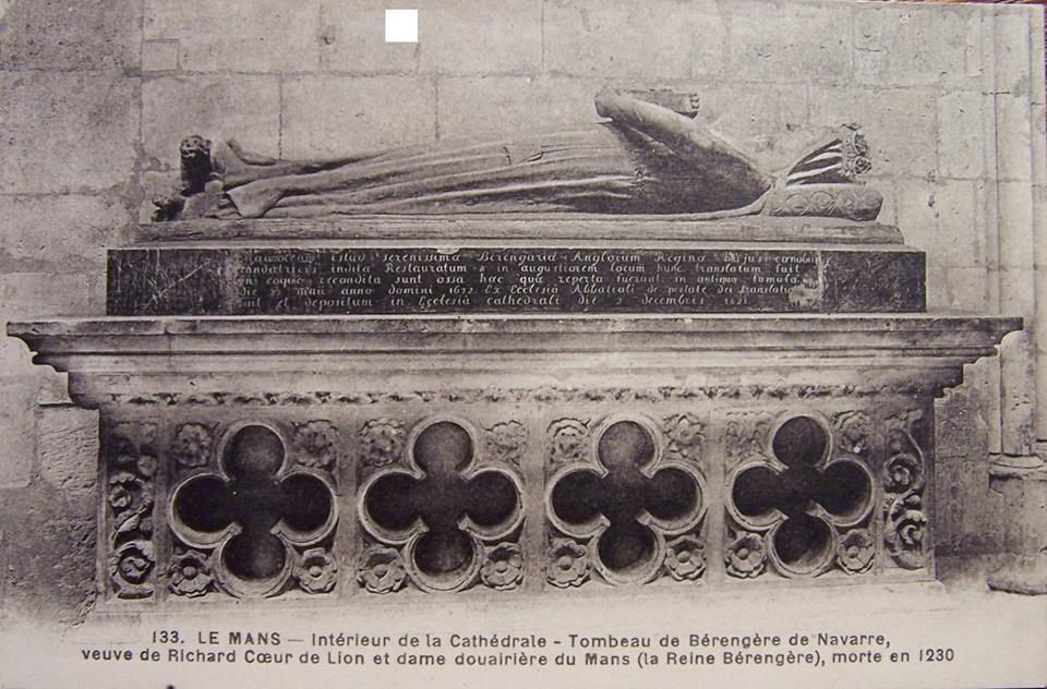 Le Mans - Cathédrale Saint Julien - Intérieur de la Cathédrale - Tombeau de Bérengère de Navarre, veuve de Richard Coeur de Lion et dame douairière du Mans (la Reine Bérengère), morte en 1230