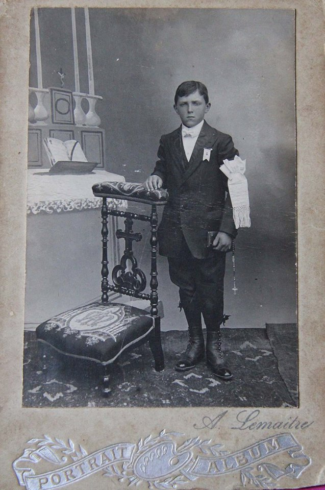 Lieu inconnu - Communion - LEVEAU Gustave - Mon grand père - 1919 (Sylvie Leveau)