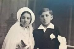 Courdemanche - Communion - LAHOREAU Pierre et Odette - Mon grand père et sa soeur - 20 mai 1945 (Virginie Laure)