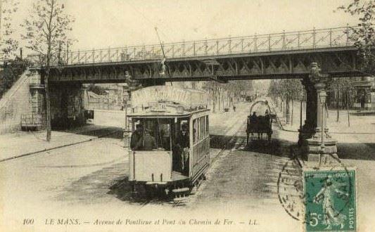 Le Mans - Avenue de Pontlieue et Pont du Chemin de Fer