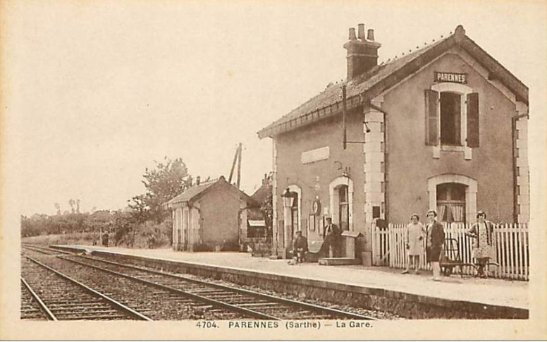 Parennes - La Gare