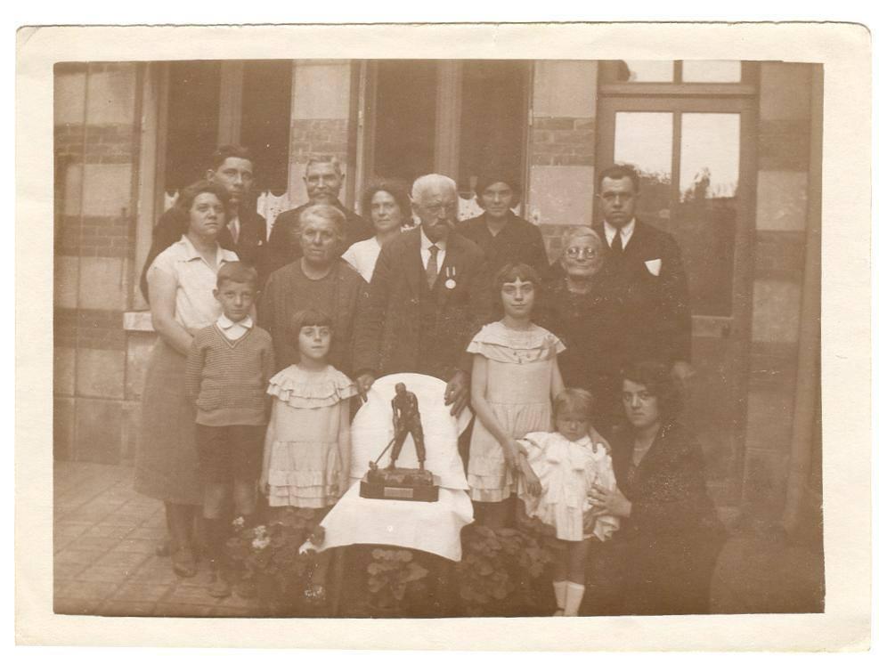 Le Mans - Groupes - Réunions de famille - Famille PIERCON - Départ en retraite de mon arrière grand père, PIERCON Auguste - 1930 (Françoise Lebreton)