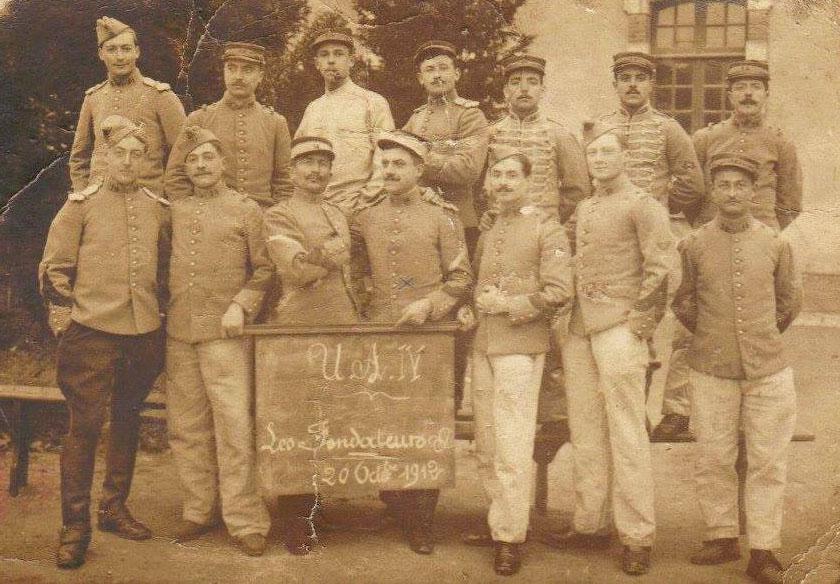 Le Mans - Militaires - Soldats - PIERCON Léon le 4ème à gauche - Début de son engagement pour l'armée au 117ème RI - 1912 (Françoise Lebreton)