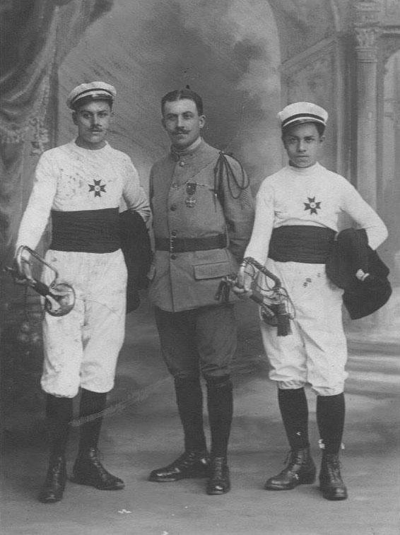 Militaires - Soldats - PIERCON Léon - Avec ses frères René et Jean - 1919 (Françoise Lebreton)