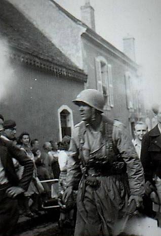 Parigné l'Evêque - Militaires - Soldats - Le premier américain entrant dans la ville lors de la libération (André Beaumard)