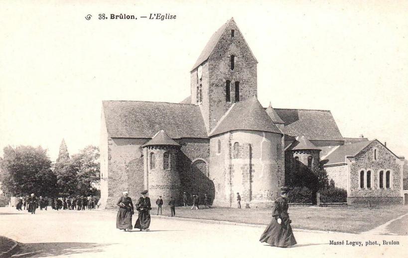 Brûlon - L'Eglise