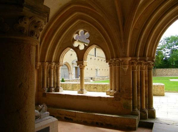 Le Mans - Abbaye de l'Epau - La salle capitulaire 01 (Source Internet, The Baguette)