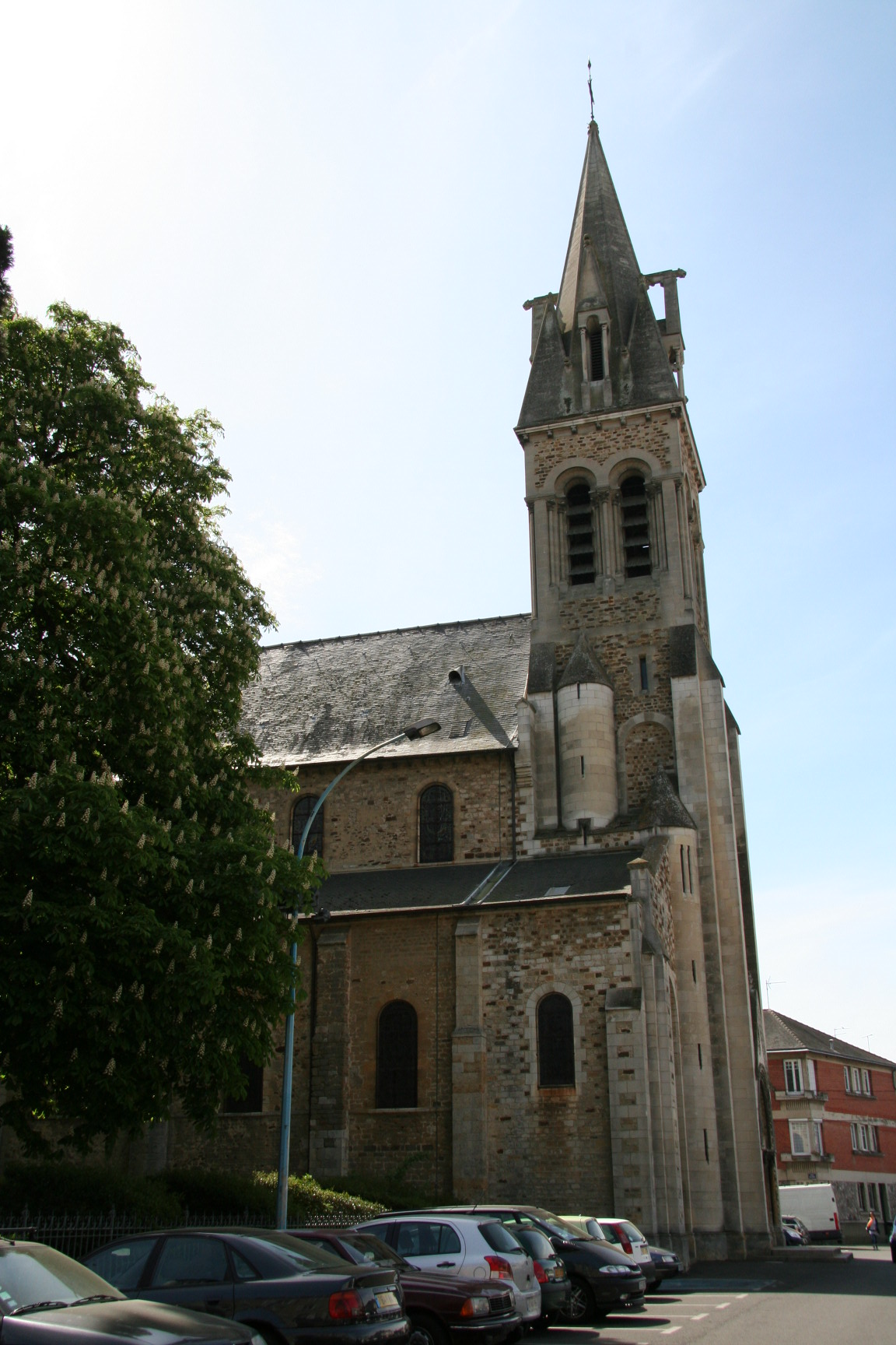 Le Mans - Eglise Notre Dame du Pré 11