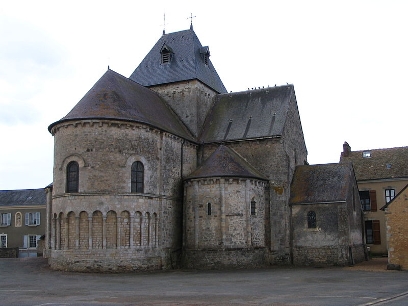 Neuvy en Champagne - Eglise Saint Laurent (Source Internet, © Benjamin Smith, Wikimedia Commons)