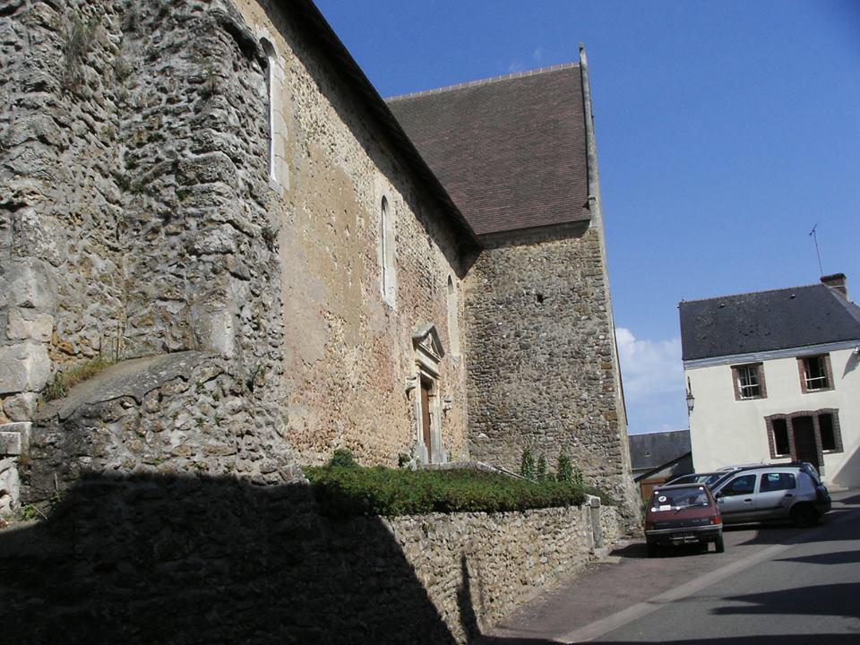Saint Michel de Chavaignes en 2005 - Eglise Saint Michel 09 (Menu Christophe dit Tahiti)