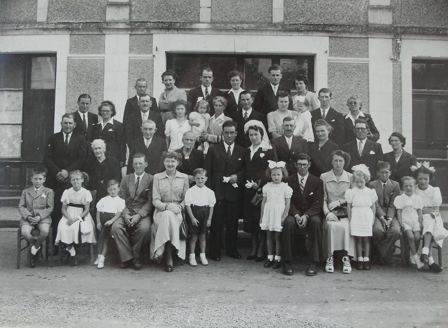 Saint Germain d'Arcé - Mariage - CARDINEAU Lucien et LONGEAU Raymonde - 1er octobre 1949 - Vue 01 (Christophe Menu dit Tahiti)