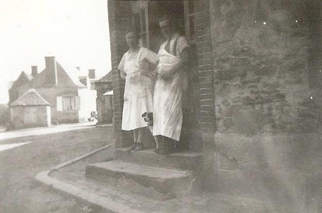 Semur en Vallon - Au quotidien - Métiers - Mr et Mme HUNTZINGER, bouchers - Vers 1950 (Michel Rogerie)