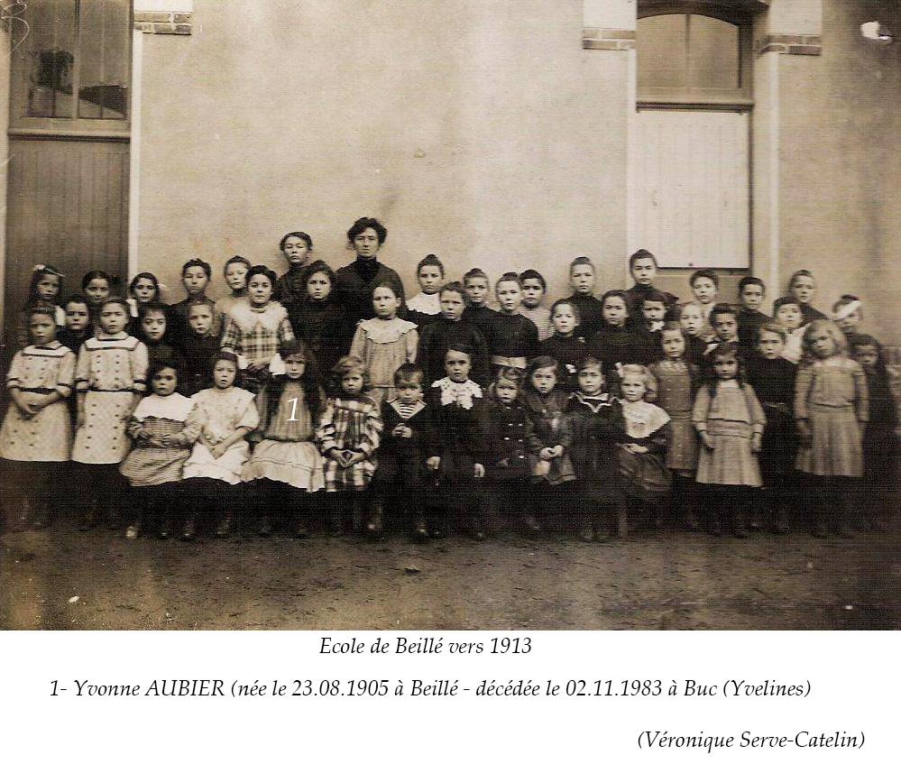 Beillé - Groupes - Photos de classe - AUBIER Yvonne au 1er rang la 5ème à gauche - Vers 1913 - Vue 02 (Véronique Serve-Catelin)