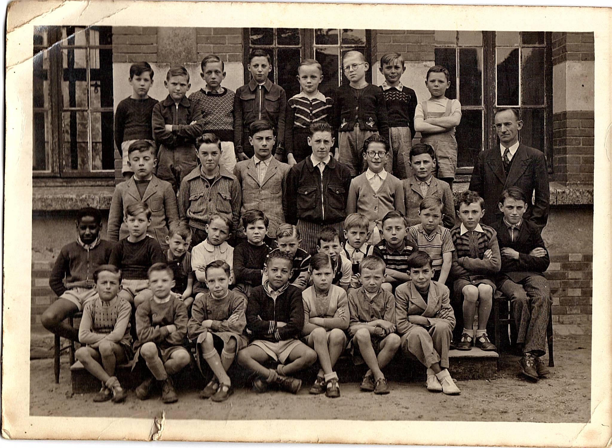 Groupes - Photos de classe - Juin 1953 - Vue 01 (Jean-Luc Pommeliet)