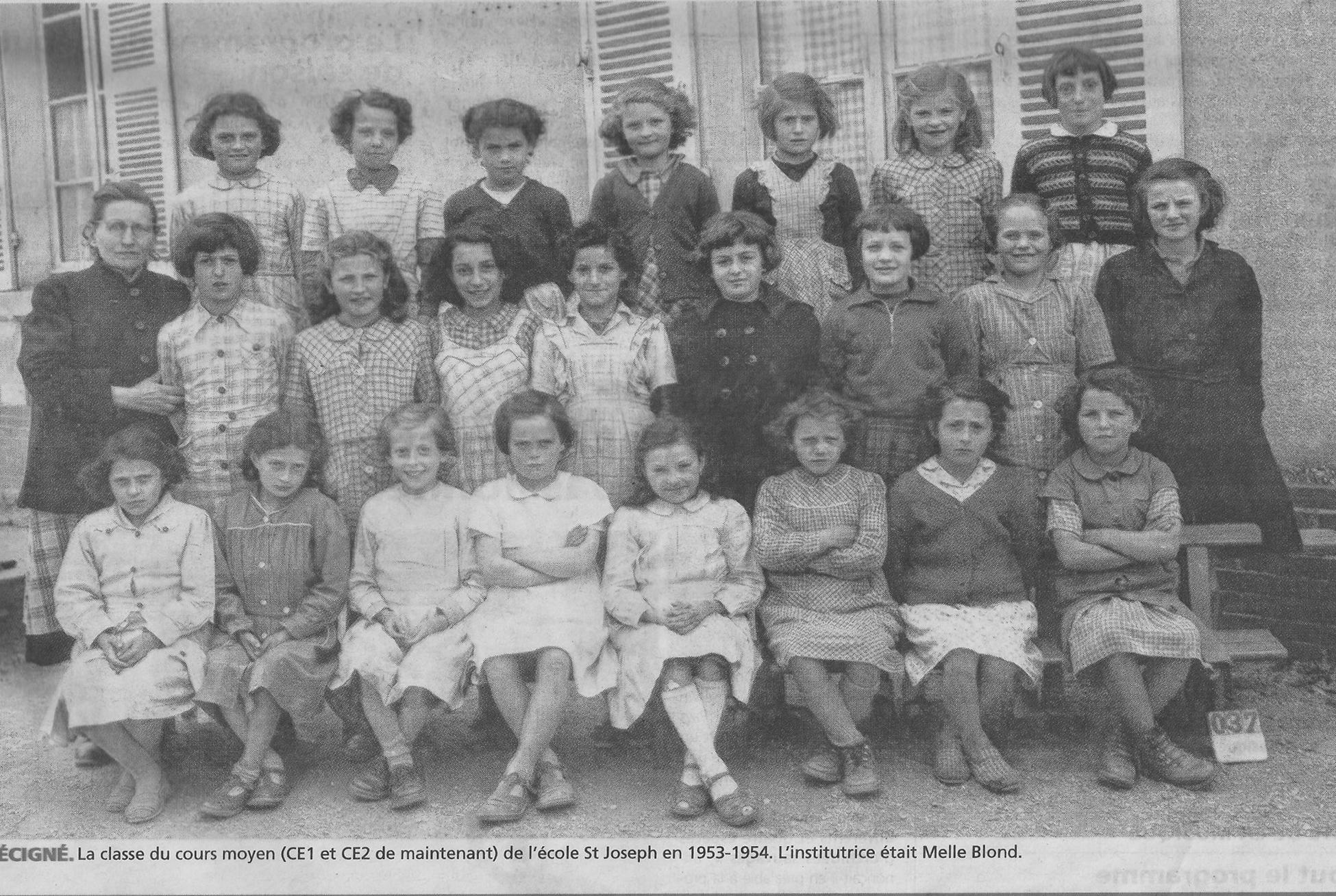 Précigné - Groupes - Photos de classe - Ecole Saint Joseph - Institutrice Melle BLOND - 1953-1954