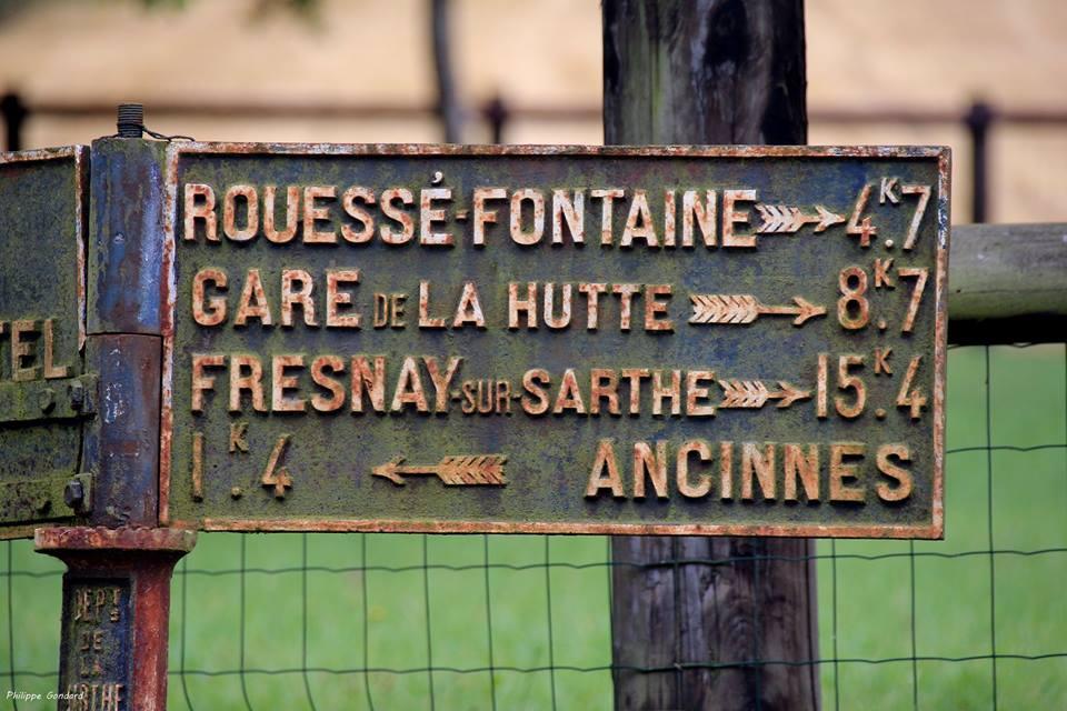 Ancinnes, le Gué de l'Aune - Plaque de cocher - Rouessé Fontaine - Gare de La Hutte - Fresnay sur Sarthe - Ancinnes (Philippe Gondard)