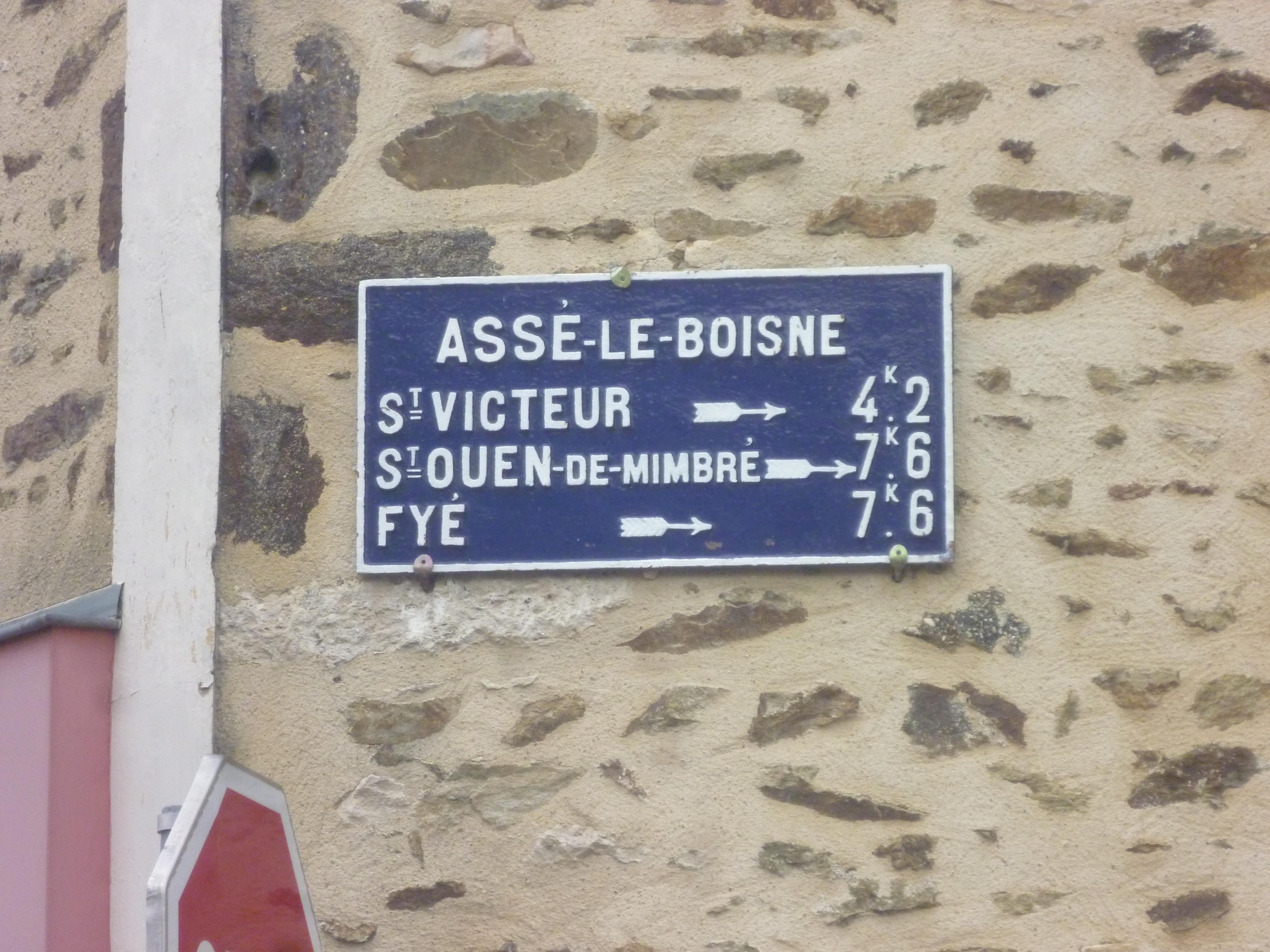 Assé le Boisne, rue des Celliers - Plaque de cocher - Saint Victeur - Saint Ouen de Mimbré - Fyé (Gwéna Tireau)