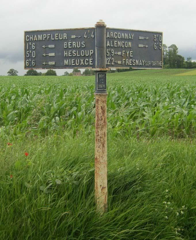 Bérus, au croisement entre L'Arcis et Le Tertre - Plaque de cocher - Champfleur - Bérus - Hesloup - Mieuxcé et Arçonnais - Alençon - Fyé - Fresnay sur Sarthe (Fabien Demeules)