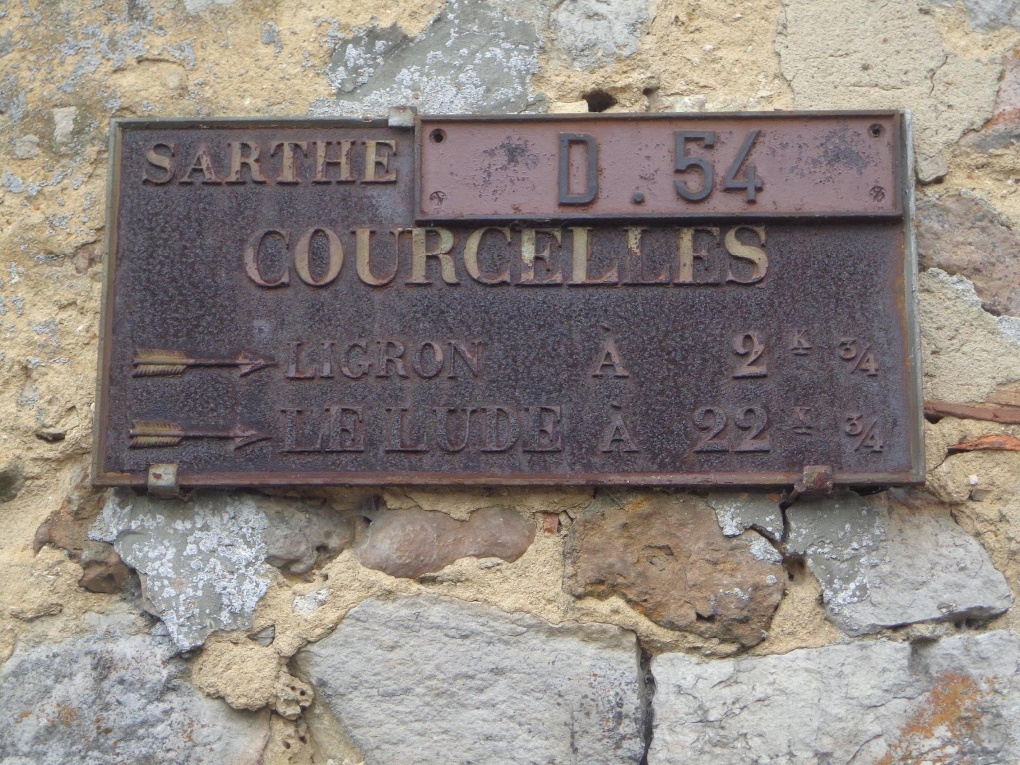Courcelles la Forêt - Plaque de cocher - Ligron - Le Lude (Marie-Yvonne Mersanne)