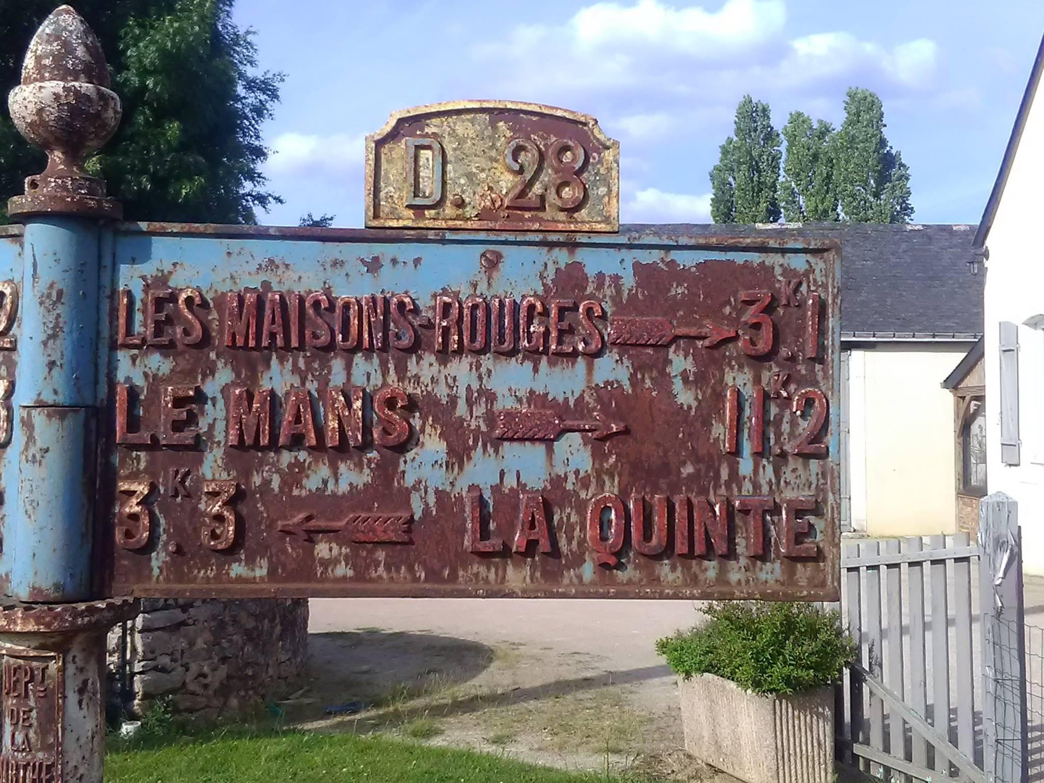 Degré, lieu dit Le Carrefour de La Poulerie - Plaque de cocher - Les Maisons Rouges - Le Mans - La Quinte (Jean-François Lobreau)