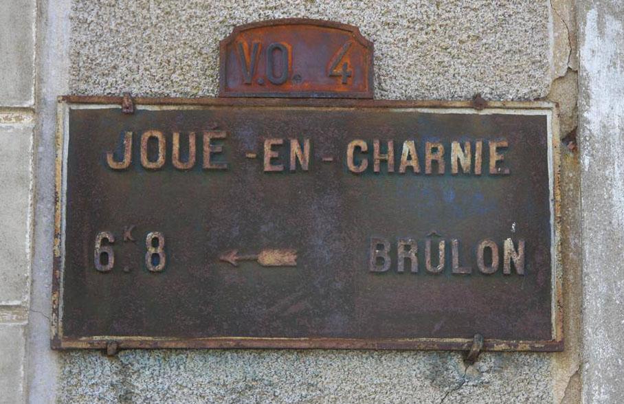 Joué en Charnie - Plaque de cocher - Brûlon (Christophe Oustalet)