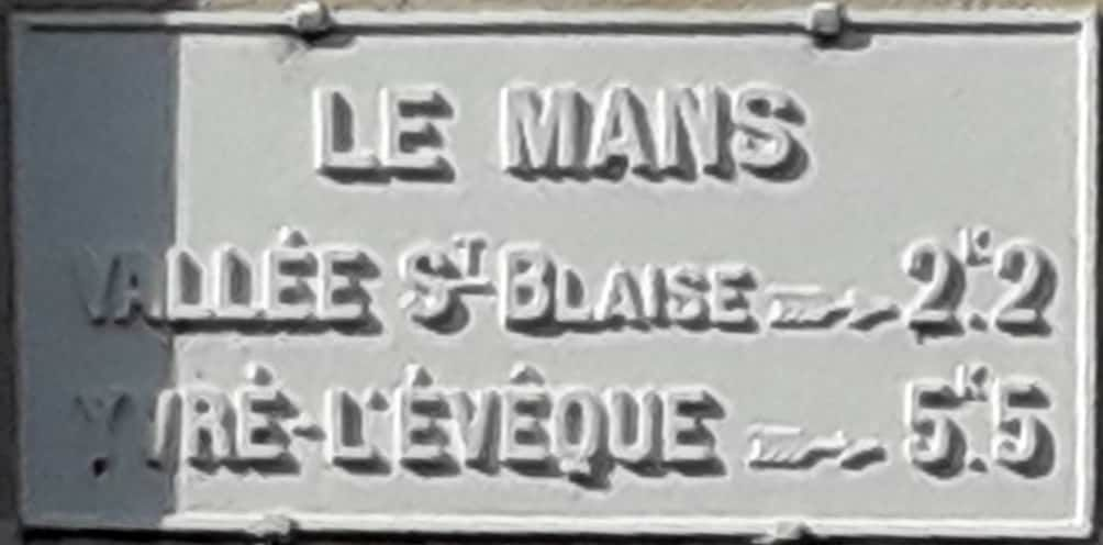 Le Mans, rue de l'Eventail - Plaque de cocher - Vallée Saint Blaise - Yvré l'Evêque (Camille Chauvet)