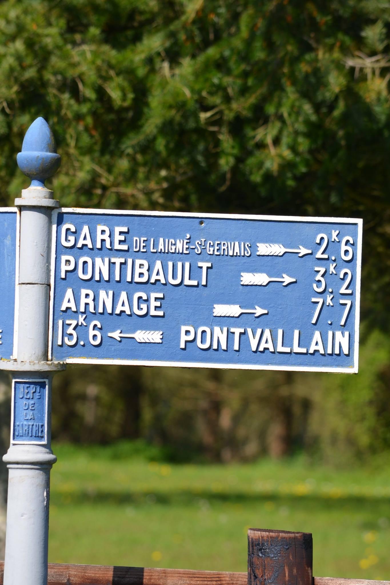Moncé en Belin, à 500m du bourg - Plaque de cocher - Gare de Laigné Saint Gervais - Pontibault - Arnage - Pontvallain (San Doni)