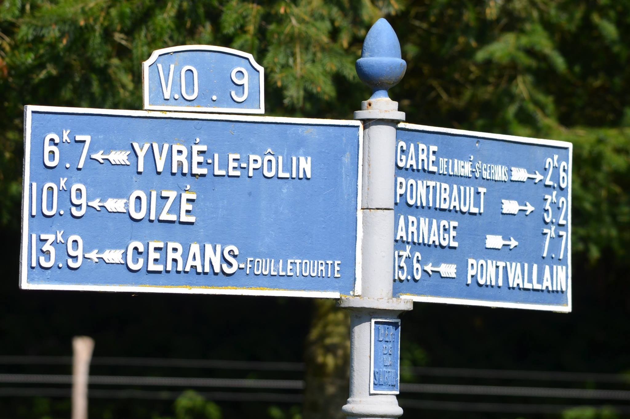 Moncé en Belin, à 500m du bourg - Plaque de cocher - Yvré le Pôlin - Oizé - Cérans Foulletourte - Gare de Laigné Saint Gervais - Pontibault - Arnage - Pontvallain (San Doni)