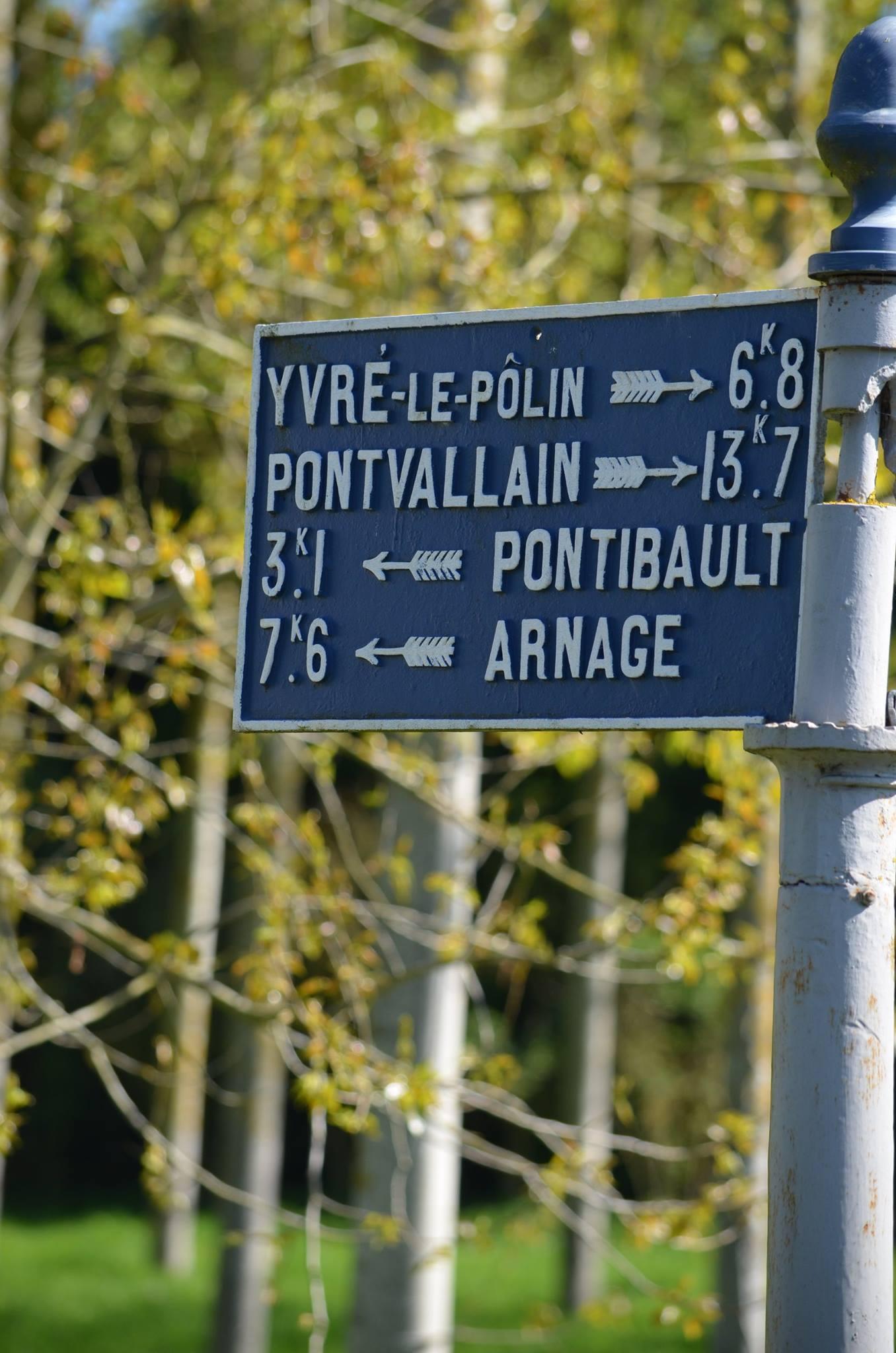 Moncé en Belin, près de la route de la Claverie - Plaque de cocher - Yvré le Pôlin - Pontvallain - Pontibault - Arnage (San Doni)