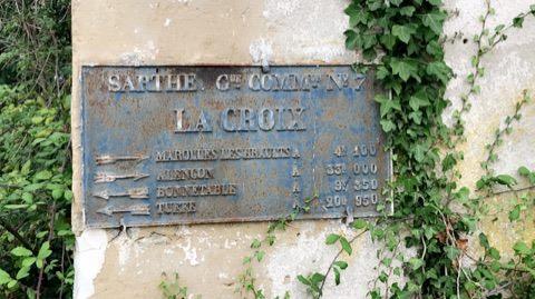 Peray, lieu dit La Croix - Plaque de cocher - Marolles Les Braults - Alençon - Bonnétable - Tuffé (Fabienne Germain)