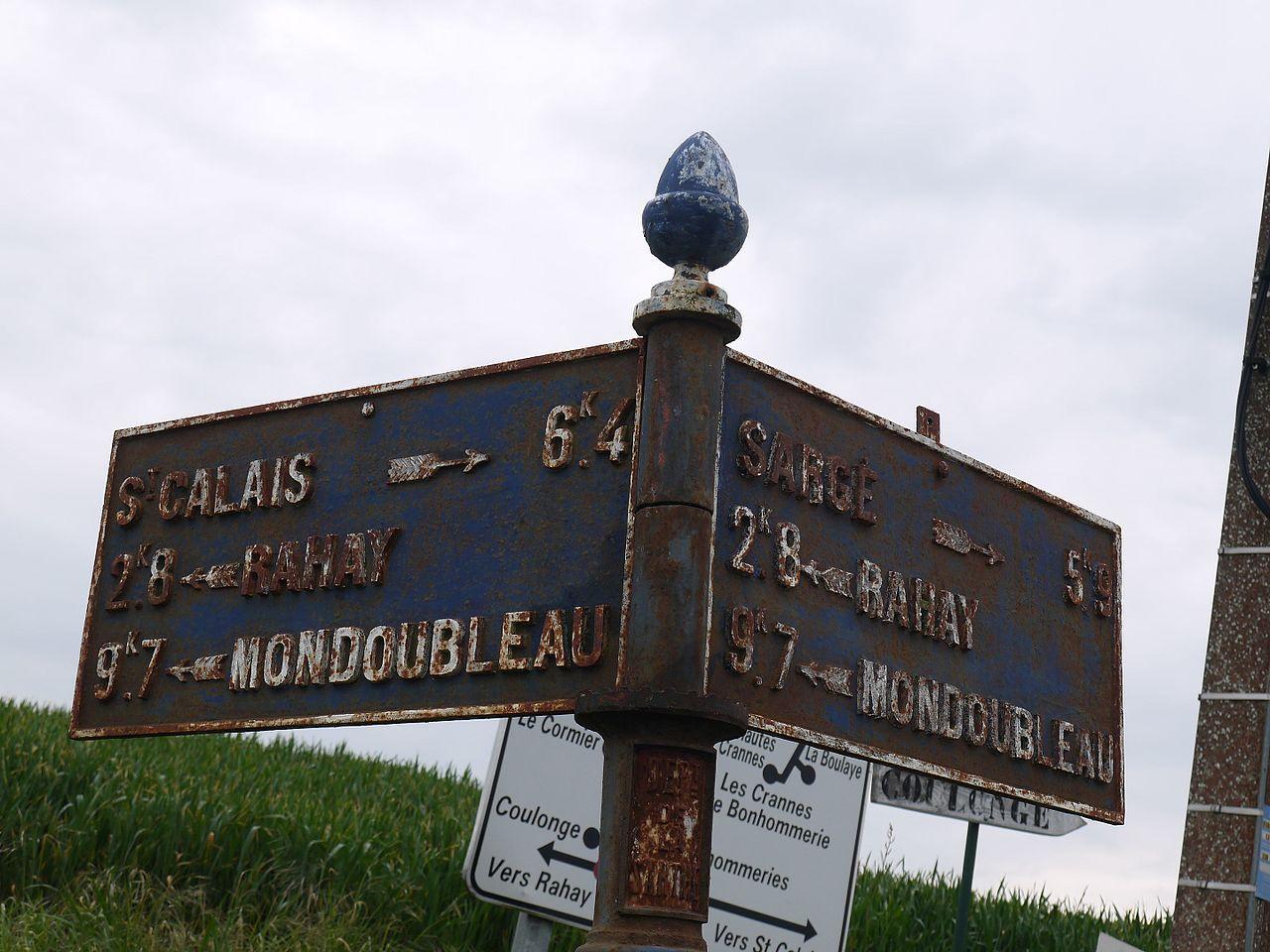 Rahay, lieu dit Les Bonhommeries sur la D135 - Plaque de cocher - Saint Calais - Rahay - Mondoubleau - Sargé - Rahay - Mondoubleau (Source Internet, Simon de l'Ouest)