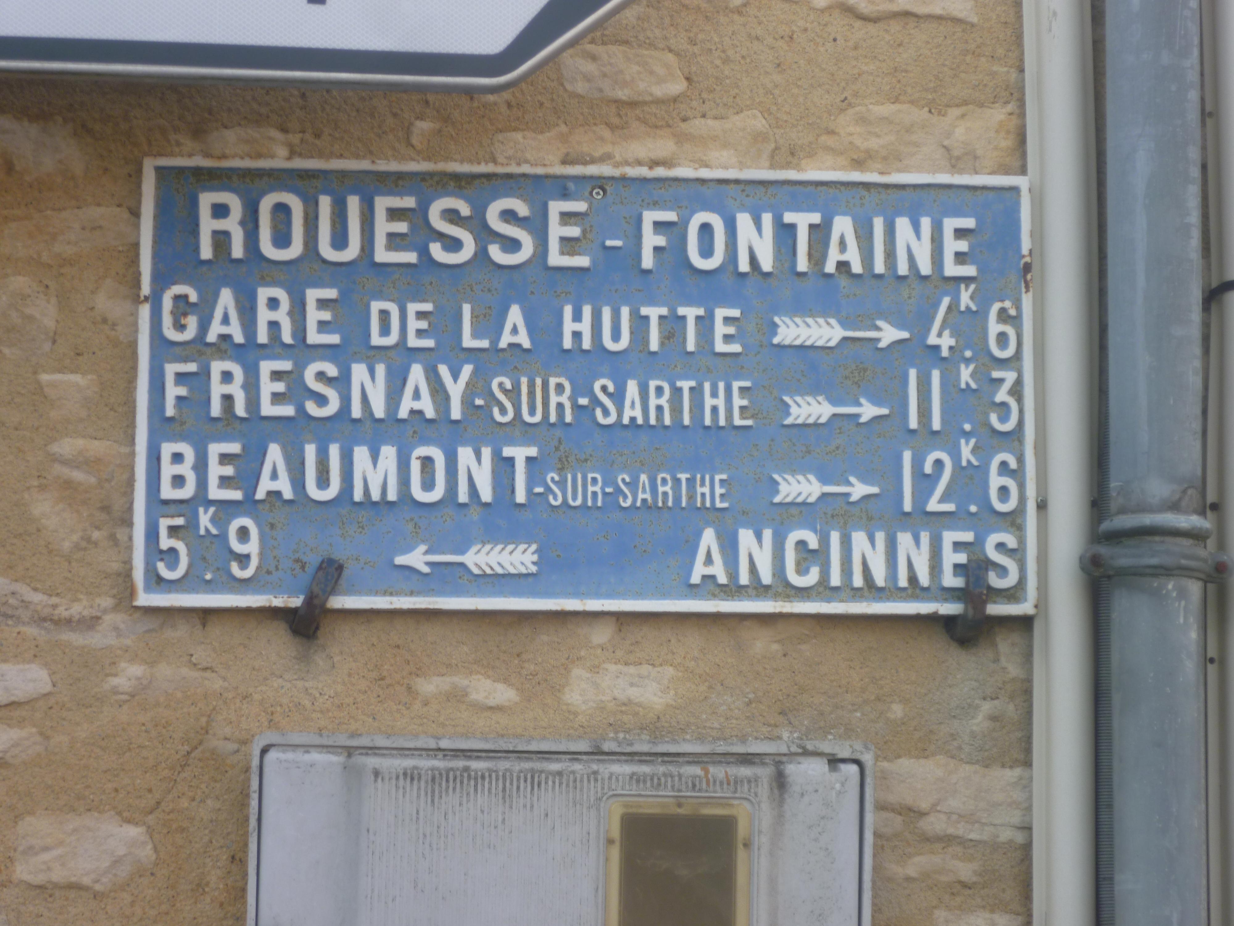 Rouessé Fontaine - Plaque de cocher - Gare de La Hutte - Fresnay sur Sarthe - Beaumont sur Sarthe - Ancinnes (Gwéna Tireau)