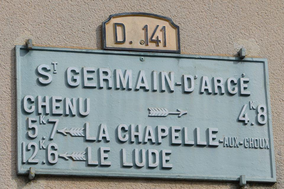 Saint Germain d'Arcé - Plaque de cocher - Chenu - La Chapelle aux Choux - Le Lude (San Doni)