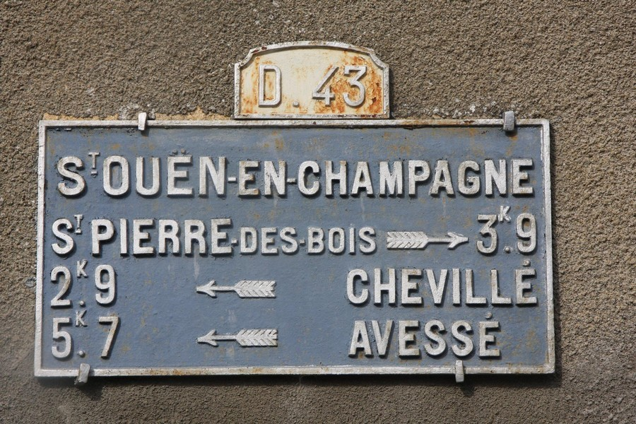 Saint Ouen en Champagne - Plaque de cocher - Saint Pierre des Bois - Chevillé - Avessé (Marie-Yvonne Mersanne)