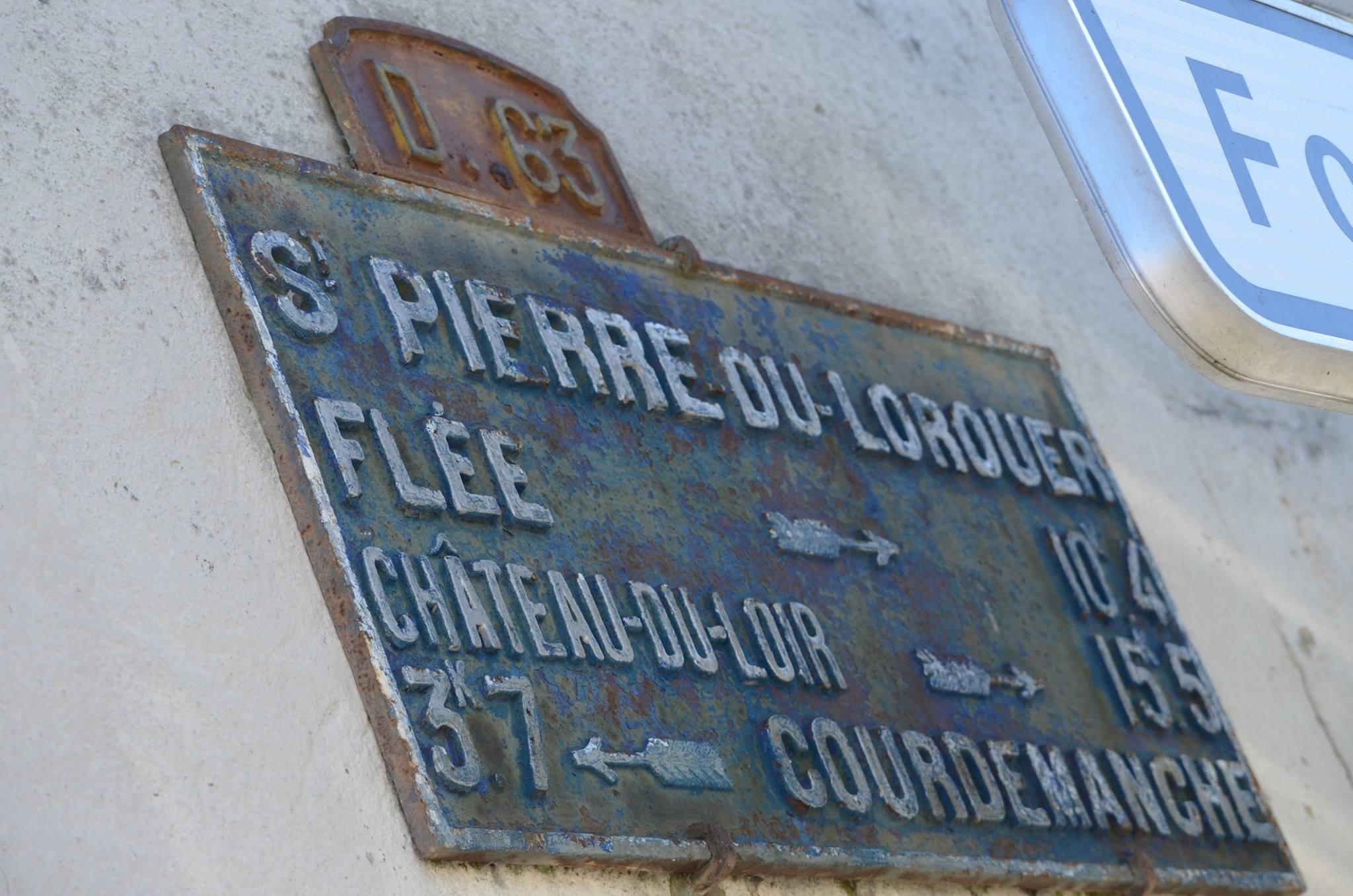 Saint Pierre du Lorouër, rue de la Forêt - Plaque de cocher - Flée - Château du Loir - Courdemanche (San Doni)