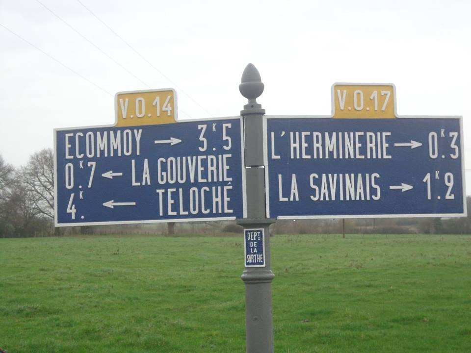 Teloché, à l'ouest de la route de la Mare - Plaque de cocher - Ecommoy - La Gouverie - Teloché - L'Herminerie - La Savinais (Marie-Yvonne Mersanne)