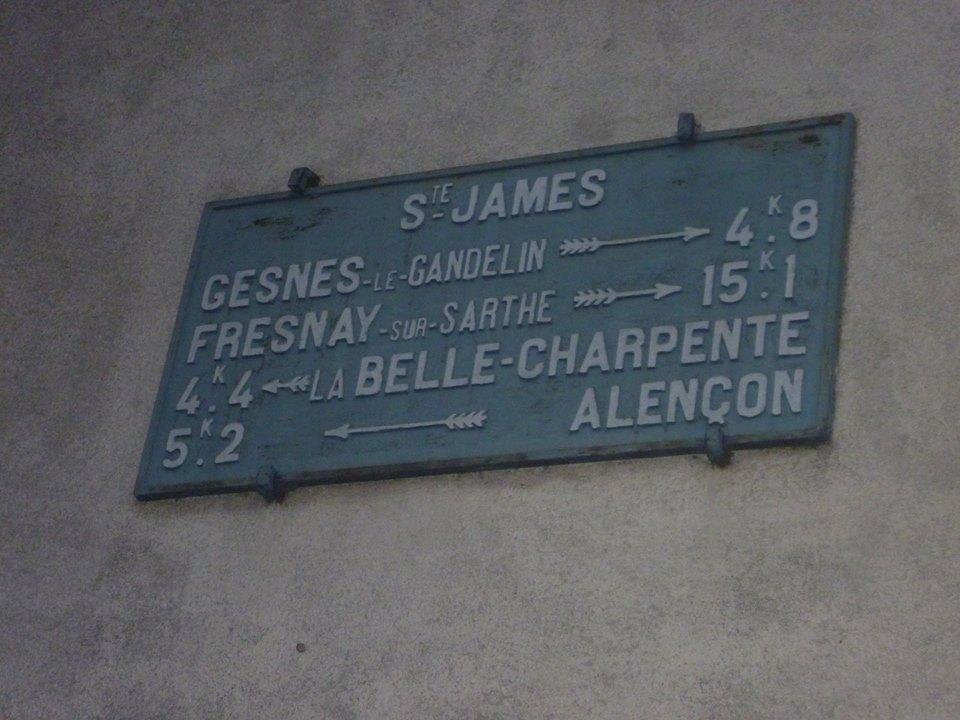 Zone 61 - Héloup, lieu dit Sainte James - Plaque de cocher - Gesnes le Gandelin - Fresnay sur Sarthe - La Belle Charpente - Alençon (Gwéna Tireau)