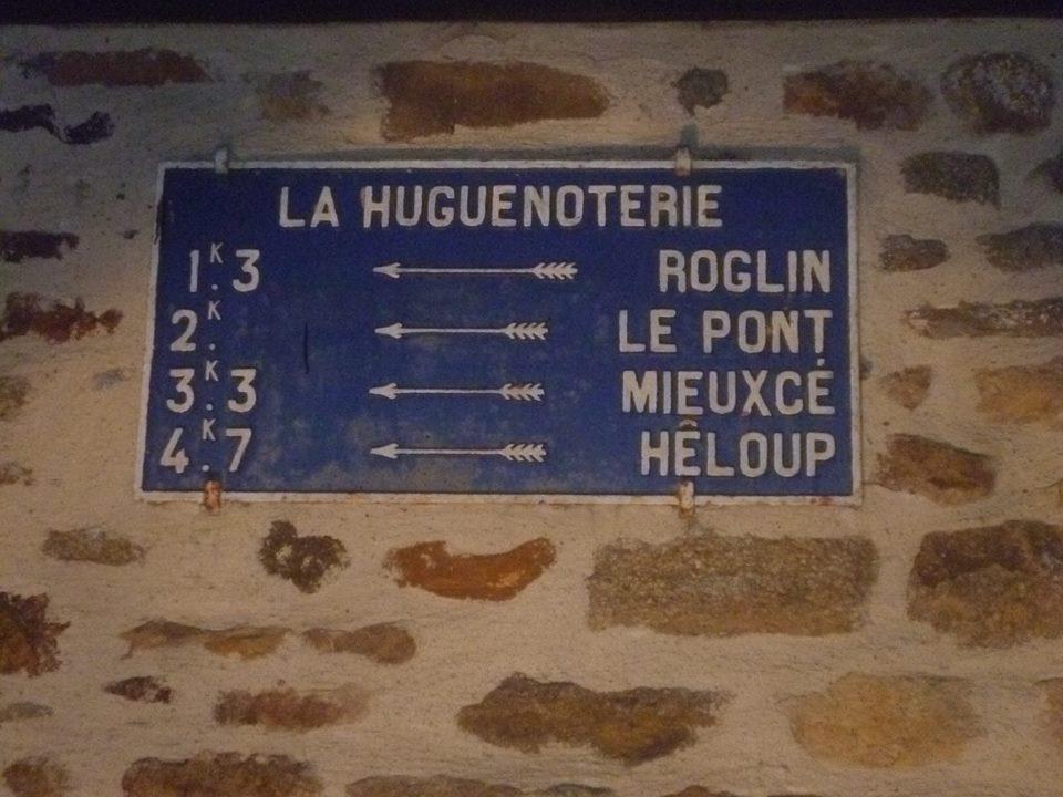 Zone 61 - La Ferrière Bochard, lieu dit La Huguenoterie - Plaque de cocher - Roglin - Le Pont - Mieuxcé - Hêloup (Gwéna Tireau)