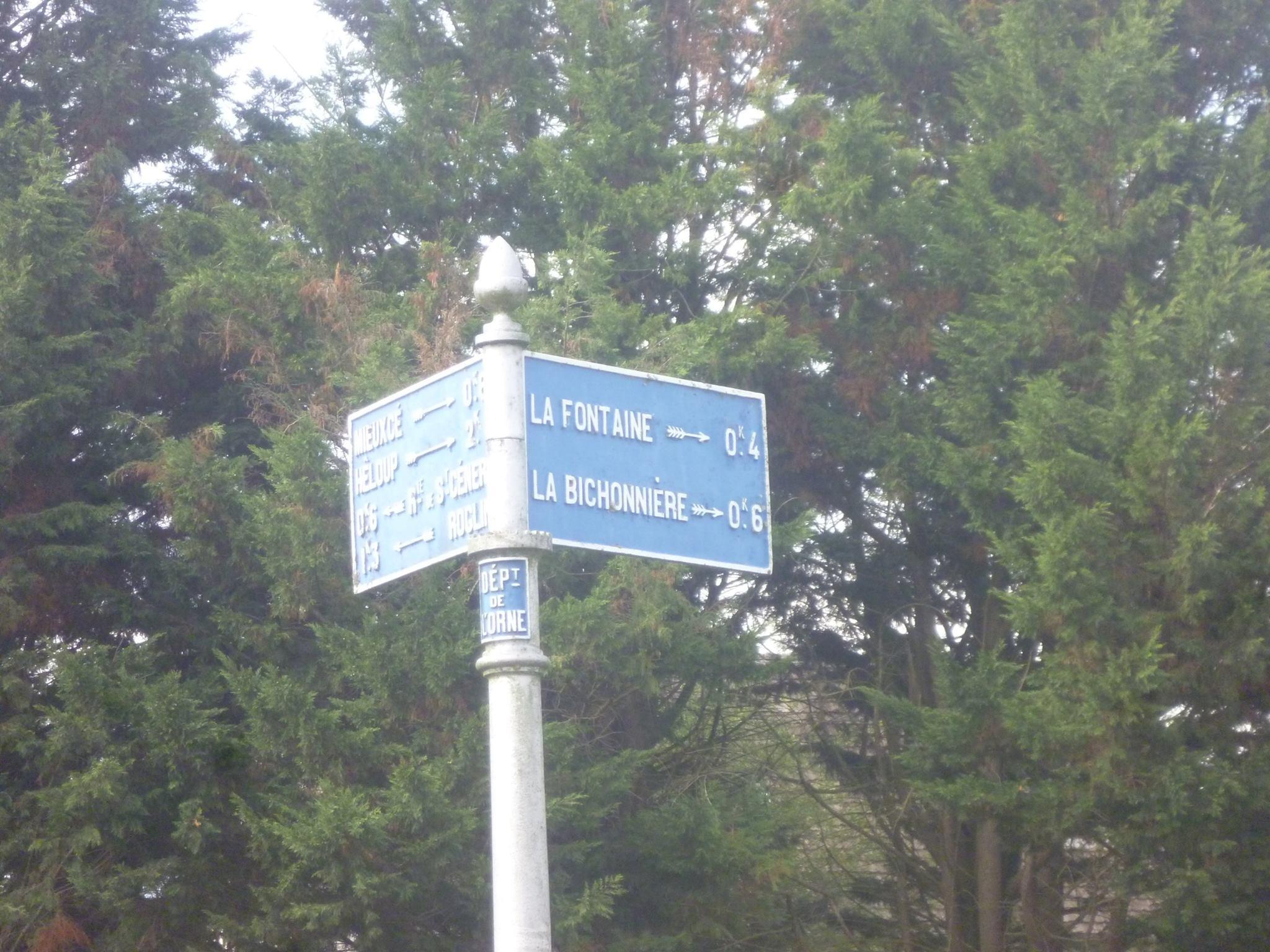 Zone 61 - Mieuxcé - Plaque de cocher - La Fontaine - La Bichonnière (Gwéna Tireau)