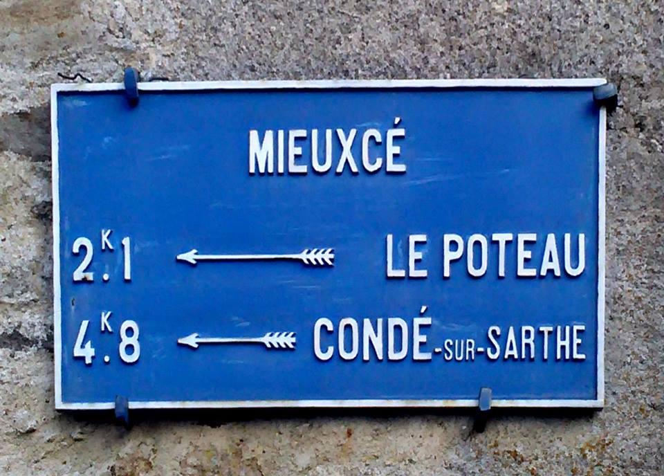 Zone 61 - Mieuxcé - Plaque de cocher - Le Poteau - Condé sur Sarthe (Camille Chauvet)